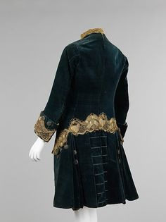 Suit (image 2) | Italian | 1740-60 | silk, metal, cotton, linen | Brooklyn Museum Costume Collection at The Metropolitan Museum of Art | Accession Number: 2009.300.2480a–d
