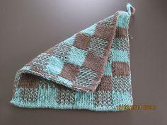Double Knitting Topflappen! Mein erstes Teil in dieser Stricktechnik. http://steffishobbys.blogspot.de/2014/03/double-knitting-geubt-geubt-und-noch.html