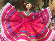 Muñeca de hoja de Tamal elaborada artesanalmente en Calpan, Puebla, México