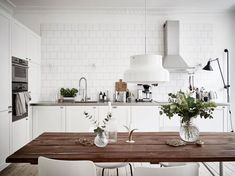 Inspiring-and-Bright-Scandinavian-Flat-02 #kitchen #scandinavian #white