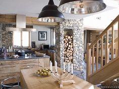 j'aime la colonne avec réserve de bois