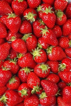 New Red Aesthetic Wallpaper Strawberry Ideas Fruit And Veg, Fruits And Vegetables, Fresh Fruit, Dieta Fitness, Food Wallpaper, Nature Wallpaper, Trendy Wallpaper, Iphone Wallpaper, Strawberry Fields