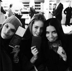 Adriana Lima en route pour le défilé Victoria's Secret http://www.vogue.fr/mode/mannequins/diaporama/la-semaine-des-tops-sur-instagram-47/21383/image/1116190#!adriana-lima-en-route-pour-le-defile-victoria-s-secret