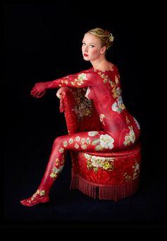 Body Art and oriental asian chair - ✯ www.pinterest.com/WhoLoves/Body-Art ✯ #BodyArt