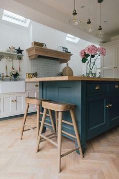 Nice 51 Gorgeous Small House Kitchen Design Ideas. More at https://homedecorizz.com/2018/03/27/51-gorgeous-small-house-kitchen-design-ideas/