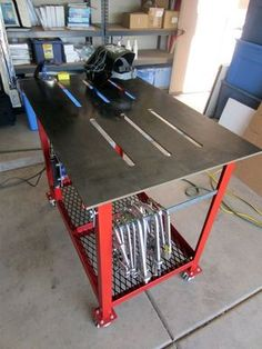 Fabricated Portable Cart For Steel Remnants - The Garage Journal Board Welding Bench, Welding Cart, Welding Shop, Welding Tips, Metal Welding, Welding Ideas, Welding Workshop, Metal Workshop, Metal Projects