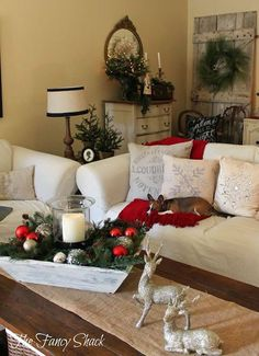 Christmas Decorations - The Fancy Shack: Christmas Home Tour Merry Little Christmas, Noel Christmas, Primitive Christmas, Rustic Christmas, Christmas Crafts, Christmas Greenery, Christmas Design, Christmas Balls, Modern Christmas