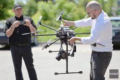 Un #drone de #Québec vise le marché mondial Techno, Logs, Innovation, World Market, Appliances, Walking, Techno Music, Magazines