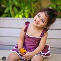 Cute Baby Girl Photos, Cute Little Baby Girl, Cute Kids Pics, Cute Little Girls Outfits, Cute Baby Pictures, Cute Girls, Baby Photos, Pretty Girls, World's Cutest Baby