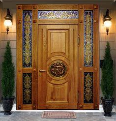 Входные двери в загородный дом