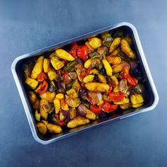 Un accompagnement qui marie de bonnes petites pommes de terre grenaille avec des légumes d'été, le tout parfumé avec des citrons confits et des épices orientales