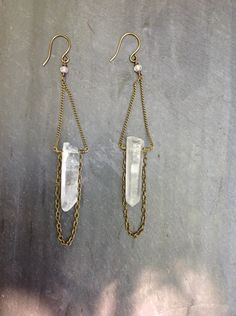 Raw+Quartz+Crystal+Brass+Chain+Loop+by+LoopHandmadeJewelry+on+Etsy,+$28.00
