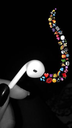 ideas music girl photography learning for 2019 Mood Wallpaper, Tumblr Wallpaper, Wallpaper Iphone Cute, Aesthetic Iphone Wallpaper, Cute Wallpapers, Vintage Wallpapers, Ft Tumblr, Photos Tumblr, Emoji Photo
