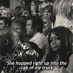 harry singing along to cruise at the TCAs (gif) Im obsessed, Harry singing along to a country song.... Heaven help me
