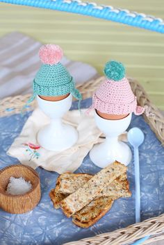 Wooly hat egg cup co