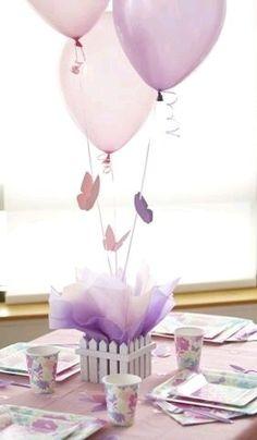 Toma nota de estas lindas ideas para hacer pequeñas mariposas que puedes usar como tema central de una fiesta. Las mariposas son un tema qu...