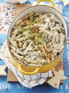 Hoenderpasta Spaghetti Recipes, Pasta Recipes, Chicken Recipes, Cooking Recipes, Chicken Meals, Chicken Pasta, Kos, South African Recipes, Ethnic Recipes