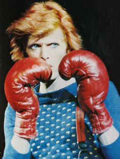 David Bowie boxing