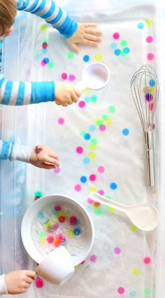 Water Sensory Play: Polka Dot Soup from Fun at Home with Kids & Bingo Chips Sensory Tubs, Sensory Activities, Sensory Play, Preschool Activities, Sensory Diet, Indoor Activities, Summer Activities, Family Activities, Play Activity