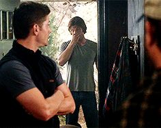 [GIF] I don't know what's going on here, but Jared ducking off screen like that is cracking me up!