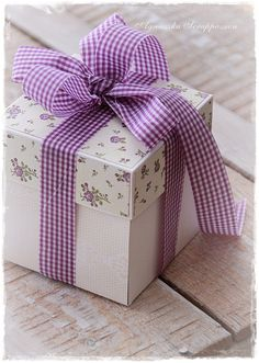 Gift Wrap ~ Gingham check ribbon, floral box top ~ Purple and White (ourmim)