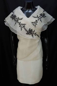Philippines Outfit, Philippines Fashion, Philippines Culture, Barong Tagalog For Women, Modern Filipiniana Dress, Filipiniana Wedding, Filipino Wedding, Filipino Fashion, Under Dress