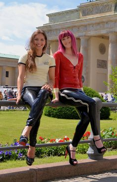 Ricci Tauscher Latex, Erotic, Leather Pants, Costumes, Casual, How To Wear, Outfits, Shopping, Tops
