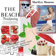 Marilyn Monroe - Beach Beauty