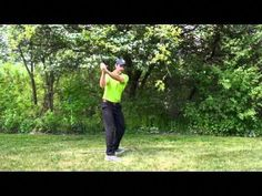 Having the perfect golf swing is really not complicated. You simply need to study a few simple methods to allow you to execute your swing in the easiest way possible. Slow Motion Golf Swing, Golf Swing Speed, Famous Golfers, Womens Golf Wear, Ladies Golf Bags, Golf Putting Tips, Perfect Golf, Golf Training, Golf Tips