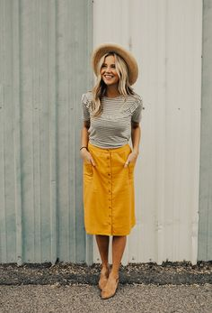 button up midi skirt yellow, summer outfit, summer hat, straw hat
