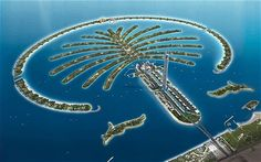 Dubai's artificial Palm Islands imported enough sand to fill Empire State Buildings! The Empire State Building has a volume of 37 million cubic meters whereas the construction of Dubai's artificial Palm Islands made use of 94 million cubic meters of sand. Palm Jumeirah, Dubai Map, Dubai City, Palm Island Dubai, Snowboard, Dubai Business, Kempinski Hotel, Vietnam, Emirates Airline
