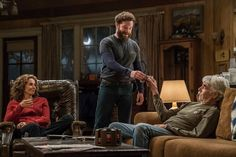 Trailer and images for the comedy series THE RANCH Part 3 (Season starring Ashton Kutcher, Danny Masterson and Sam Elliott. Comedy Series, Tv Series, Sam Eliot, Debra Winger, Ashton Kutcher, Shows On Netflix, The Ranch, Movie Tv, Movies