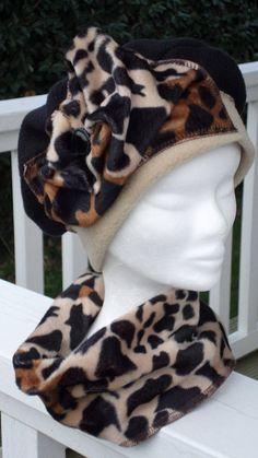 Bonnet chapeau béret turban  snood tour du cou félin tigre léopard  beige  marron et noir  femme  confortable unique collection hiver 5c4f1d73529