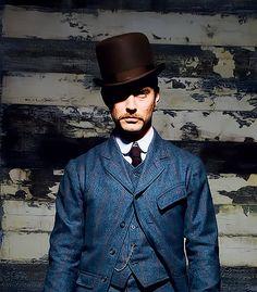 Jude Law in Sherlock Holmes.