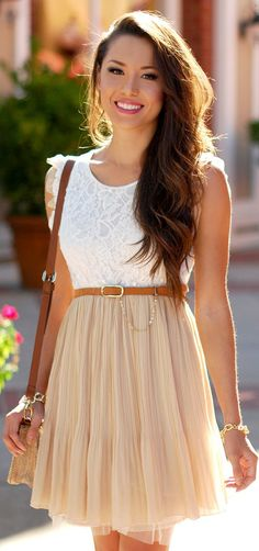 Loving the belted, high-waisted skirt look!