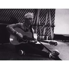 Ross Lynch, R5 - Ross and a guitar - February 26, 2014 via Instagram