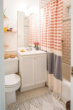 Decor apartment Decor diy Decor ideas colors Decor ideas small Decor master Decor modern Decor pink Bathroom Decor Bathroom Decor Bathroom Decor 25 Genius Design & Storage Ideas for Your Small Bathroom Boho Bathroom, Bathroom Design Small, Bathroom Interior Design, Bathroom Layout, Teen Bathroom Decor, Bathroom Designs, Bathroom Theme Ideas, Peach Bathroom, Minimal Bathroom