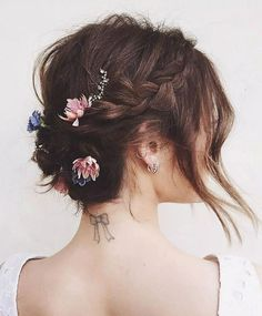 50 Braids Short Hair Wedding Hairstyles Ideas 8 Style Female - half up prom hair Medium Prom Hair Medium, Medium Hair Styles, Curly Hair Styles, Short Hair Updo, Braids For Short Hair, Wedding Hairstyles For Long Hair, Vintage Hairstyles, Gorgeous Hairstyles, Headband Hairstyles