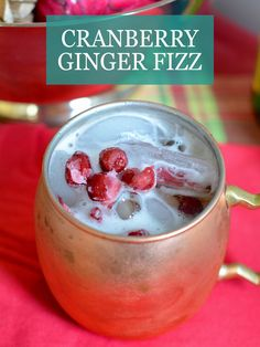 Holiday Moscow Mule: Cranberry Ginger Fizz Cocktails & Drinks {Bebidas} With the holidays around the Mezcal Cocktails, Cocktail Drinks, Cocktail Recipes, Drink Recipes, Cocktail Ideas, Cocktail Parties, Alcohol Recipes, Italian Cocktails, Evening Cocktail