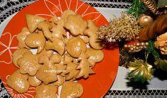 Mäkučké ihneď po upečení. Sú naše tradičné a najobľúbenejšie a najradšej ich pečiem na Vianoce. Tak krásne neviem zdobiť, takže ponúkam len receptík :-) http://ywettrecepty.blogspot.sk/2012/05/pernicky.html
