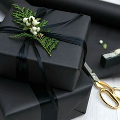 Gift Wrapping Ideas-This holiday survival kit is the ultimate collection of everything you need to h. Creative Gift Wrapping, Creative Gifts, Wrapping Gifts, Wrapping Papers, Gift Wrapping Ideas For Birthdays, Elegant Gift Wrapping, Japanese Gift Wrapping, Diy Birthday Wrapping Ideas, Cute Gift Wrapping Ideas