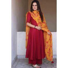 Fabric: Cotton Block Kurta and Cotton Gharara with dupatta. Pakistani Wedding Outfits, Pakistani Dresses, Indian Dresses, Indian Outfits, Western Dresses, Indian Attire, Indian Wear, Moda Indiana, Kurti Styles