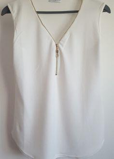 À vendre sur #vintedfrance ! http://www.vinted.fr/mode-femmes/debardeurs/24877808-top-debardeur-neuf-a-zip