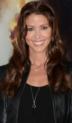 Shannon Elizabeth is still pretty cute . . . and the afternoon links