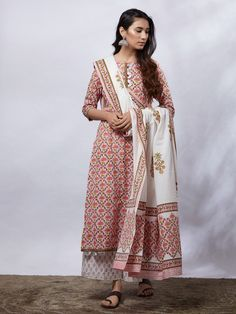 White Pink Hand Block Printed Cotton Mulmul Suit- Set of 3 Salwar Suit Neck Designs, Kurta Designs Women, Dress Indian Style, Indian Outfits, Indian Clothes, Indian Wear, Cotton Slip, Printed Cotton, Salwar Suit Pattern