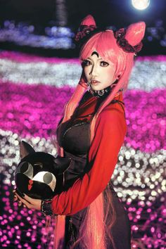 Black Lady from Sailor Moon Cosplayed by MonicaWos Photographer: A Cos play Art Source: WorldCosplay.net