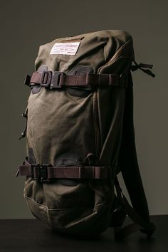 Burton x Filson Pack: Two greats, one bag. Find more best sling backpack. Travel Backpack, Backpack Bags, Travel Bags, Leather Backpack, Sling Backpack, Rugged Men, Rugged Style, Designer Rucksack, Duffle