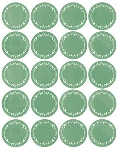 Free printables: two types of labels offered. Free printables: two types of labels offered. One has words, the other is blank with a default chalkboard font installed to choose which ever words you want on the labels. Free Printable Sticker, Printable Tags, Free Printables, Printable Recipe, Pantry Organization Labels, Pantry Labels, Canning Labels, Canning Recipes, Spice Jar Labels