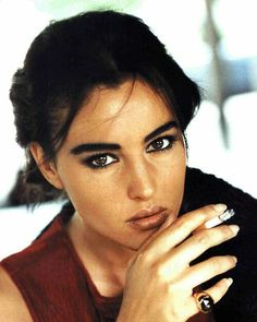 Image about beauty in monica bellucci by trix Malena Monica Bellucci, Monica Bellucci Young, Monica Bellucci Photo, Monica Belluci, Smoking Ladies, Girl Smoking, Smoking Pics, Stephane Audran, Women Smoking Cigarettes