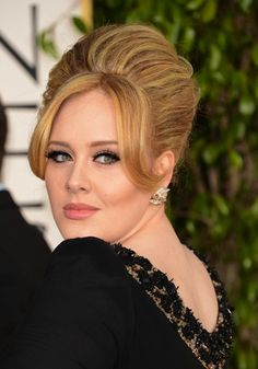 Adele hair & makeup look from the red carpet of the Golden Globes. What do you think?